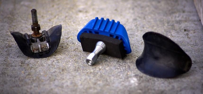 Diverse Reifenhalter