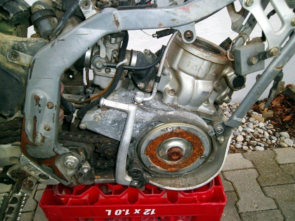 Motor Lichtmaschinenseite